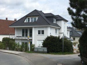 WDVS-Fassade mit Bossensteinen