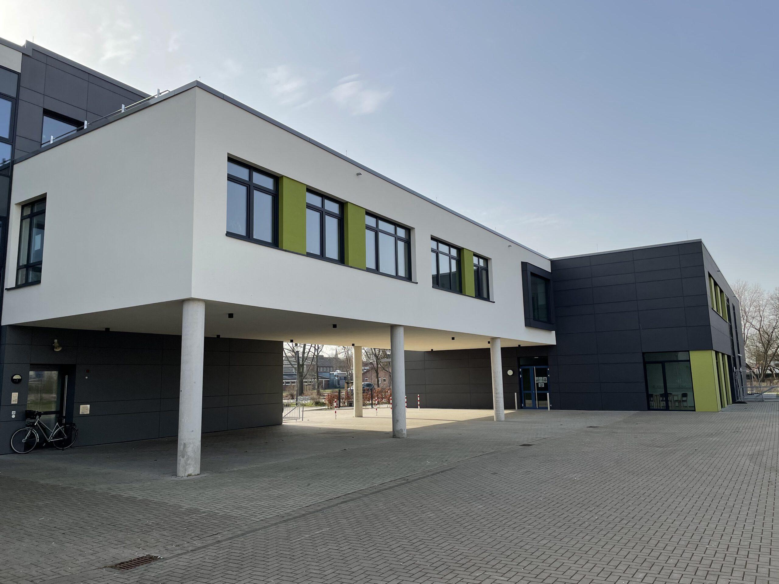 Neubau Schule Mineralwolle-Dämmung